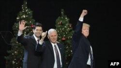 Дональд Трамп баштаган башкы республикачылар.