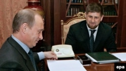 По мнению спикера чеченского парламента подвиги Рамзана Кадырова и воля Владимира Путина нужнее международной помощи республике