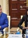 Irina Rimes și ministrul Culturii Bogdan Gheorghiu
