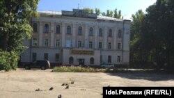 Здание детской поликлиники Засвияжского района, которое нуждается в ремонте