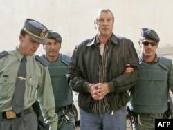 Геннадий Петров после задержания в Испании, 2008