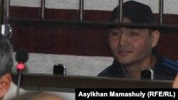 Руслан Кулекбаев, обвиняемый в вооруженных нападениях в центре Алматы 18 июля. 2 ноября 2016 года.