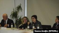 Sa konferencije koju je organizovao Fond za humanitarno pravo, Beograd, 21. decembar 2011.