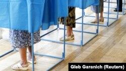 Процедура голосования, архивное фото