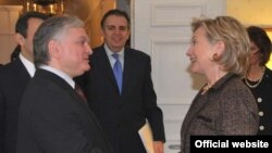 Armenia -- Foreign Minister Eduard Nalbandian meets U.S. Secretary of State Hillary Clinton in New York.