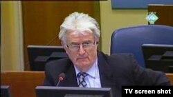 Radovan Karadžić u sudnici 12. januara 2011.