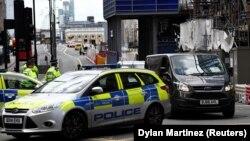 Автомобіль прямує з Лондонського мосту, де напередодні стався напад, 4 червня 2017 року