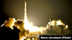 """Пуск ракеты-носителя """"Зенит"""" с платформы в Тихом океане"""