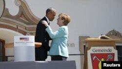Президент США Барак Обама і канцлер Німеччини Анґела Меркель, селище Крун, Баварія, 7 червня 2015 року