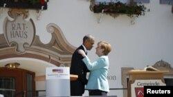 Barack Obama və Angela Merkel Bavariyanın Krun kəndində görüşüb