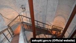 Так выглядят внутренние стены водонапорной башни вокзала Симферополя