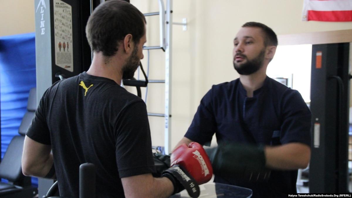 Украинскому народу желаю снова проявить твердость, а себе – стать на ноги – ранен боец 2020 год