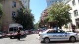 В продължение на няколко часа служителите на БНТ бяха извън сградата, а районът бе отцепен.