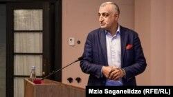 Мамука Хазарадзе не раз называл конкретные фамилии лиц, при которых было вскрыто письмо с угрозами и зачитан его текст