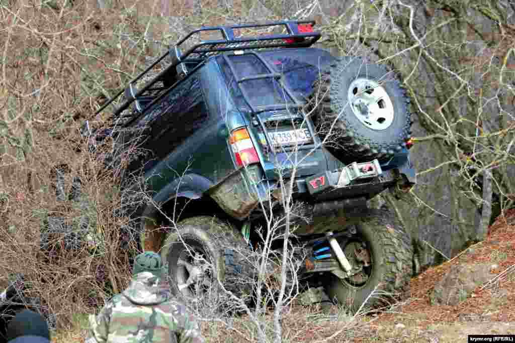 «Боевая машина» запасалась топливом на 100-150 километров бездорожья.