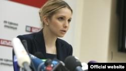 Прес-конференція Євгенії Тимошенко та Миколи Томенка, Київ, 30 квітня 2013 року (фото http://byut.com.ua)