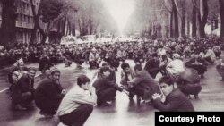 Эътирозҳо. Моҳи феврали соли 1990
