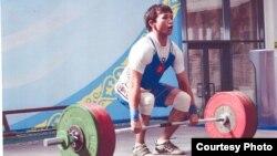 Оор атлетчи Бекзат Осмоналиев