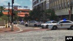 Полицейские автомобили в американском городе Джексонвилле. 26 августа 2018 года.