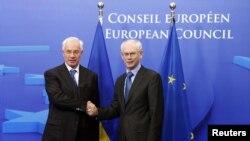 Прем'єр-міністр Микола Азаров і голова Європейської ради Герман Ван Ромпей. Брюссель, 13 жовтня 2010