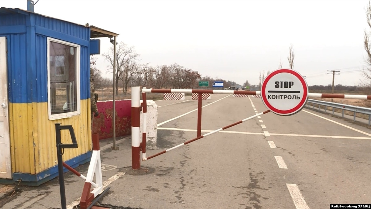 Пограничники с начала года зафиксировали 70 нарушений режимных правил вблизи адмінкордону с оккупированным Крымом