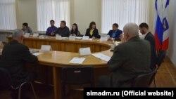 Члены комиссии администрации Симферополя по переименованиям на заседании в январе 2020 года