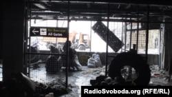 Всередині Донецького аеропорту взимку (фото «кіборга» Миколи Тихонова)