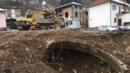 Ostaci Čaršijske džamije pronađeni tokom građevinskih radova i iskopavanja za izgradnju parkirališta u centru grada