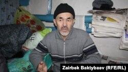 Азимжан Аскаров.