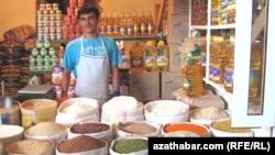 Цены на муку и подсолнечное масло в Туркменистане резко подскочили.