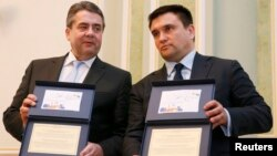 Міністр закордонних справ України Павло Клімкін (справа) та голова МЗС Німеччини Зіґмар Ґабріель. Київ, 2 березня 2017 року