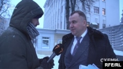 Перший заступник секретаря РНБО Олег Гладковський відповідає на запитання журналіста програми «Схеми»