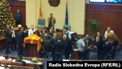 Macedonia-Crowds between the government and the opposition in the Assembly of the Republic of Macedonia.