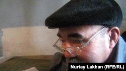Доңғалақ желіімдеуші Метербек Иманғазиев. Алматы облысы, Байсерке ауылы, 27 желтоқсан 2011 жыл.