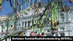 Тридцять тисяч писанок в одному сквері увійдуть до Книги рекордів України