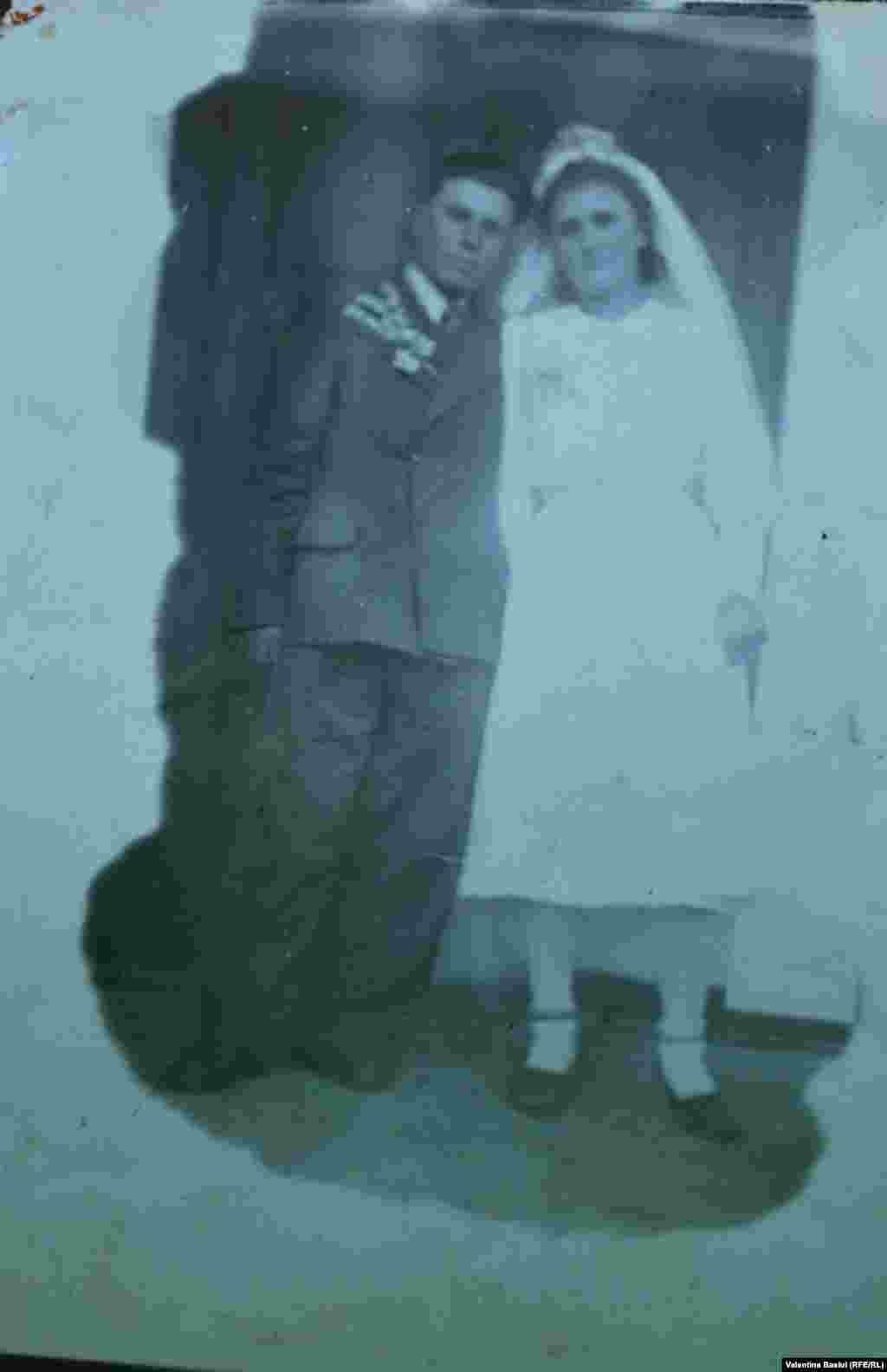 Andrei Găină la cununia civilă, 1946
