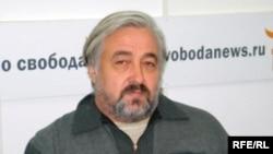 Владимир Прибыловский в студии Радио Свобода