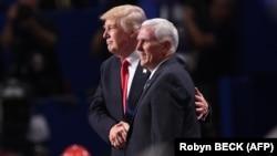 Републиканскиот кандидат за потпретседател на САД Мајк Пенс и претседателскиот кандидат Доналд Трамп на Ноационалната конвенција на републиканците Кливленд, Охајо 21.06.2016.