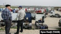 Лагерь дальнобойщиков, протестующих против системы «Платон» в Дагестане