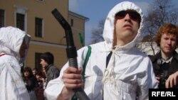 Білім беру жүйесіндегі жемқорлыққа наразы шерушілер. Киев, 31 наурыз 2010 жыл. (Көрнекі сурет)