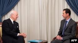 استفان دی میستورا، فرستاده ویژه سازمان ملل متحد به سوریه در دیدار با بشار اسد، رئیس جمهوری این کشور