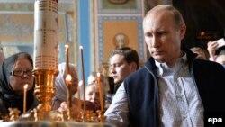 Владимир Путин в Спасо-Преображенском Валаамском монастыре преподобных Сергия и Германа, июль 2016 года