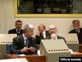 Jadranko Prlić, Bruno Stojić, Slobodan Praljak, Milivoj Petković, Valentin Čorić i Berislav Pušić u sudnici, arhiv