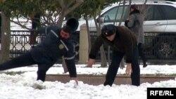 Снег в Баку. Февраль, 2012 год