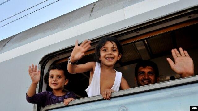 فوج پناهجویان پس از بسته شدن مرز صربستان و مجارستان، راهی کشور کرواسی شده است.