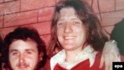 Denis Donaldson (L), bivši član Sinn Feina, je prikazan na fotografiji snimljenoj u zatvoru Long Kesh sa Bobbyjem Sandsom (D)