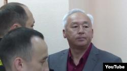Председатель Союза журналистов Казахстана Сейтказы Матаев в суде в Астане. 3 октября 2016 года.