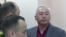 Председатель Союза журналистов Казахстана Сейтказы Матаев в суде перед оглашением ему приговора. Астана, 3 октября 2016 года.