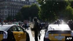 Париж. Забастовка таксистов