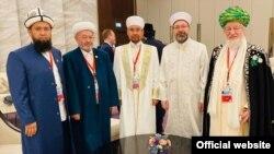 Кыргызстандын муфтийи Максатбек Токтомушев бүткүл дүйнөлүк дин өкүлдөрүнүн саммитине катышты. 14-ноябрь, 2019-жыл. Баку.